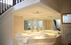 jacuzzi-bath-hotel-room-east-yorkshire